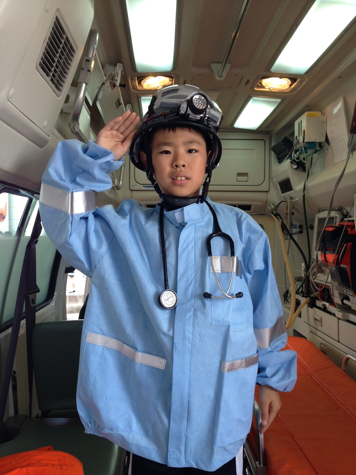 救急救命士の説明と体験をして